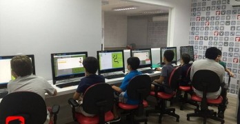 Escola SuperGeeks oferece oficinas gratuitas de criação de games, minecraft e robótica para crianças no Shopping Iguatemi