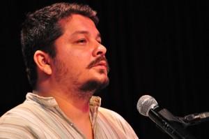 Compositor, poeta, dramaturgo, Alan Mendonça lança o site da editora Radiadora, em live de aniversário com dezenas de artistas