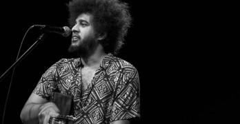 [RJ] Sarau do Escritório reúne poesia, música e artes visuais em tributo à 'geração mimeógrafo'