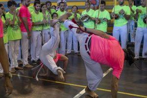 Festival com mestres de capoeira  no Sesc