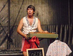 """Circo, riso e música no espetáculo """"Autômato"""" em cartaz no Dragão do Mar"""