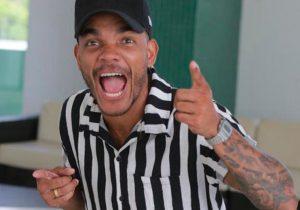 Leozito Rocha se apresenta em live do lnstagram do  Multishow