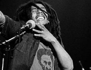 """Novo vídeo de """"No Woman, No Cry"""" celebra aniversário de Bob Marley e o Dia Internacional do Reggae"""