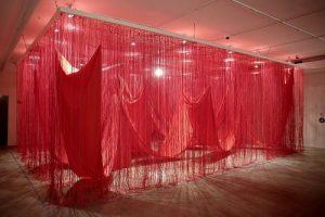 CCBB Brasília reabre com exposição da artista japonesa Chiharu Shiota
