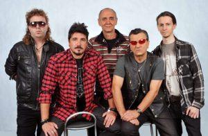 Banda Rádio Táxi regrava sucesso de Roberto Carlos