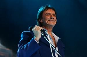 Espetáculo de dança homenageia Roberto Carlos