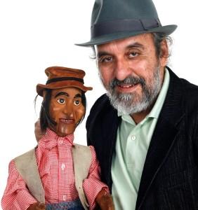 Augusto Bonequeiro se apresenta no Shopping Parangaba