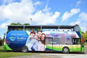 Serviço de ônibus em estilo londrino para os turistas de Fortaleza