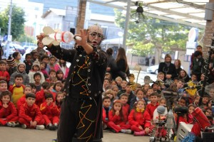 "Beach Park apresenta espetáculos nacionais e internacionais no festival ""Circo na Vila Azul do Mar"""
