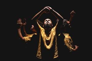 """Espetáculo """"Soluto"""" em cartaz no projeto Quinta com Dança"""