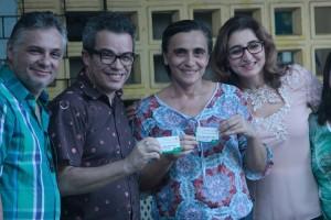 Professores da rede municipal receberam cartão para compra de livros e materiais na Bienal do Livro do Ceará