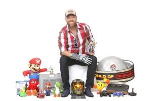 Campanha Geex Del Paseo traz a Fortaleza o maior colecionador de videogames do Brasil