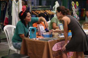 Mercado dos Pinhões recebe feira de economia criativa neste sábado