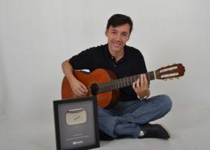 Músico investe em aulas online