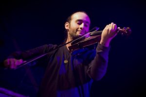 Ayran Nicodemo apresenta composições do Prelúdio 21 na Cinelândia