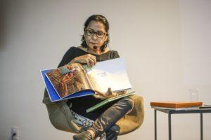 """Sheila Oliveira realiza palestra no Museu da Fotografia Fortaleza  como parte do projeto """"Uma Coleção Muito Particular"""""""