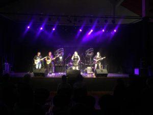 Canoa Blues apresenta repertório de rock em shows na noite de abertura