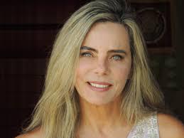 Bruna Lombardi é um dos nomes do 12º Encontro de Mulheres Pague Menos
