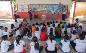 Seminário Baú de Leitura doa 2.800 livros para cidades do Ceará