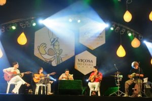 Festival Nacional Mel, Chorinho e Cachaça acontece em Viçosa do Ceará
