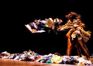 Grupo Danças Urbanas Laboral Crew no Teatro Dragão do Mar