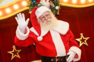 Papai Noel apresenta o Natal pelo Mundo no North Shopping Fortaleza