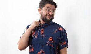 Humorista Moisés Loureiro faz curta temporada no Teatro Brasil Tropical