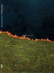 Em livro,  João Farkas revela corpo e alma do Pantanal