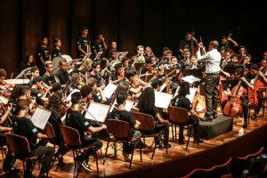 Orquestra Sinfônica Juvenil Carioca continua apresentações nas ruas do Rio de Janeiro
