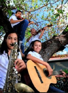Alunos da Orquestra Municipal de São Gonçalo do Amarante participam de  lives com Waldonys e Bruna Ene