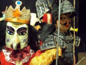 Teatro de bonecos  no projeto  Dragão das Crianças