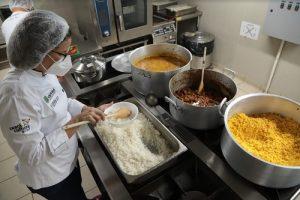 Escola de Gastronomia Social  oferta 360 vagas em cursos básicos online