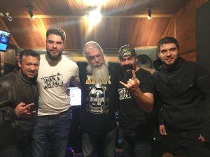 Dona Mag anuncia single com vocalista das Velhas Virgens