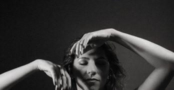 [rj] Laura Zandonadi faz show de lançamento presencial do  EP ´A Voz de Alguém`