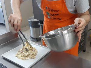 Escola de Gastronomia Social oferta 260 vagas em cursos básicos on-line em outubro